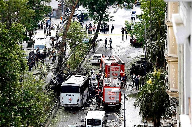 Fotoğraflarla: İstanbul Vezneciler'deki saldırı galerisi resim 14