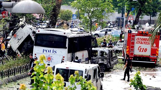 Fotoğraflarla: İstanbul Vezneciler'deki saldırı galerisi resim 16