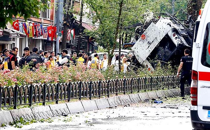 Fotoğraflarla: İstanbul Vezneciler'deki saldırı galerisi resim 2