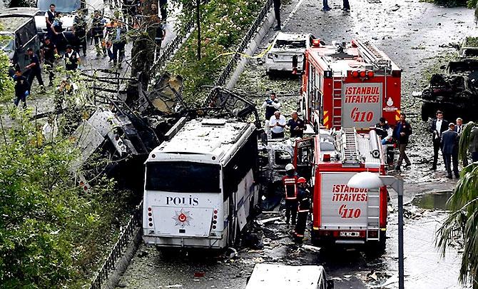 Fotoğraflarla: İstanbul Vezneciler'deki saldırı galerisi resim 3