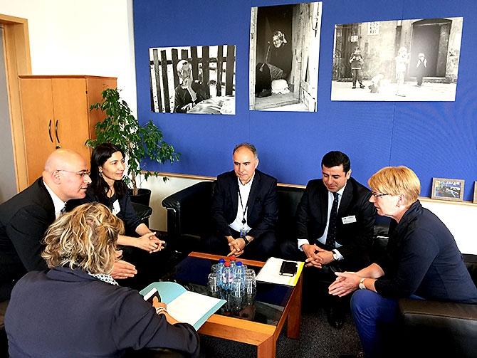 HDP heyeti AB yetkilileriyle görüştü galerisi resim 20