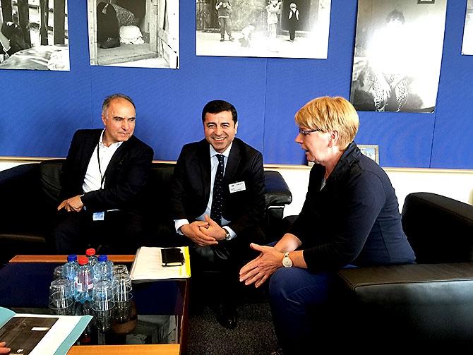 HDP heyeti AB yetkilileriyle görüştü galerisi resim 21