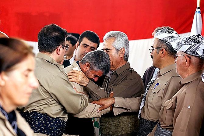 İran'la çatışmada hayatını kaybeden 6 KDP-İ Peşmergesi için taziye galerisi resim 18