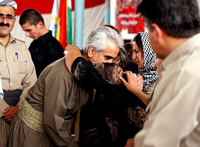 İran'la çatışmada hayatını kaybeden 6 KDP-İ Peşmergesi için taziye galerisi resim 22