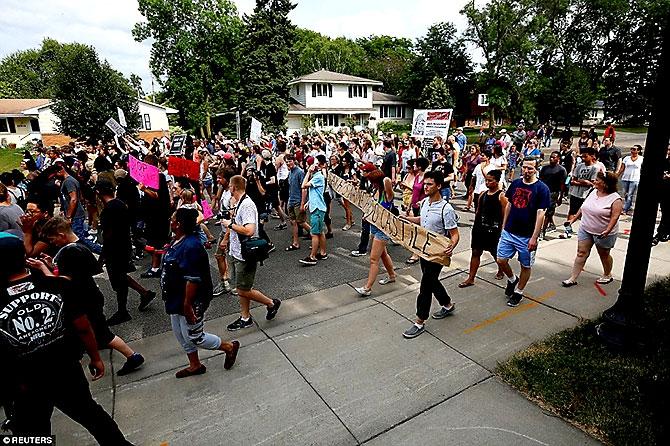 ABD'de protesto gösterileri yayılıyor galerisi resim 11