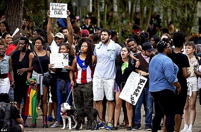 ABD'de protesto gösterileri yayılıyor galerisi resim 16