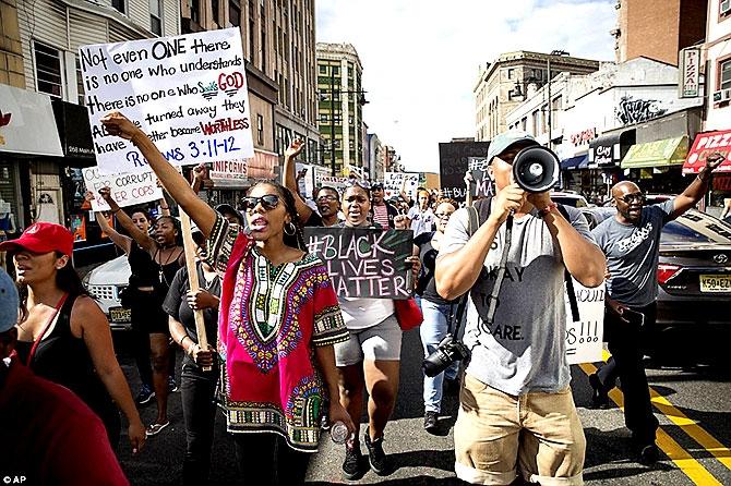ABD'de protesto gösterileri yayılıyor galerisi resim 21