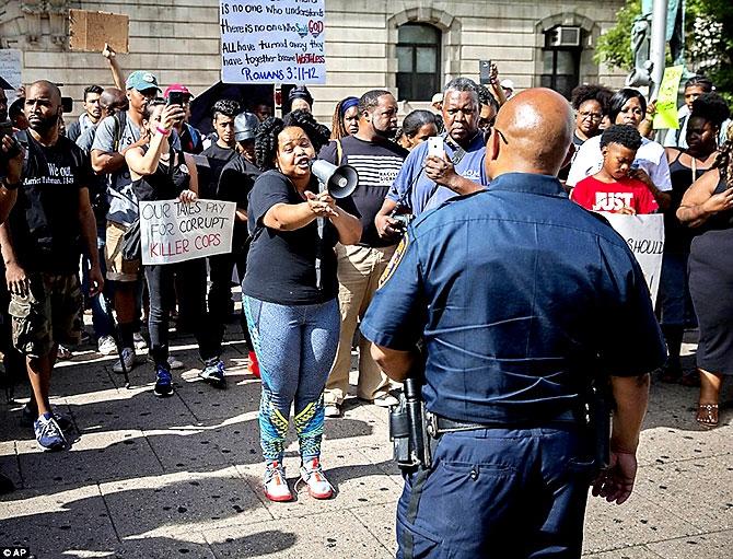ABD'de protesto gösterileri yayılıyor galerisi resim 24
