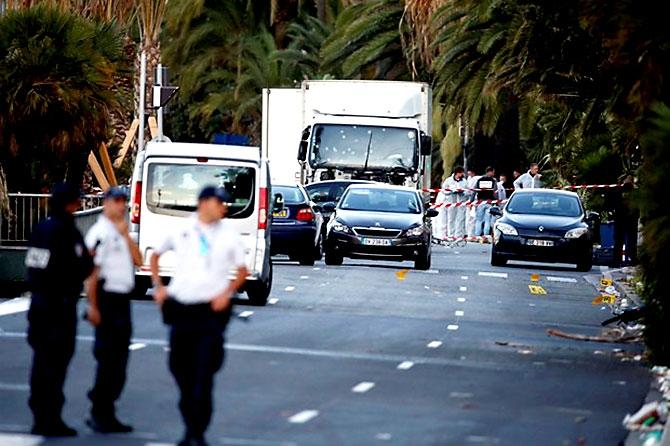 Fransa'daki terör saldırısından ilk kareler galerisi resim 1