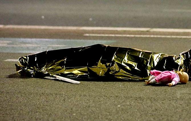 Fransa'daki terör saldırısından ilk kareler galerisi resim 13