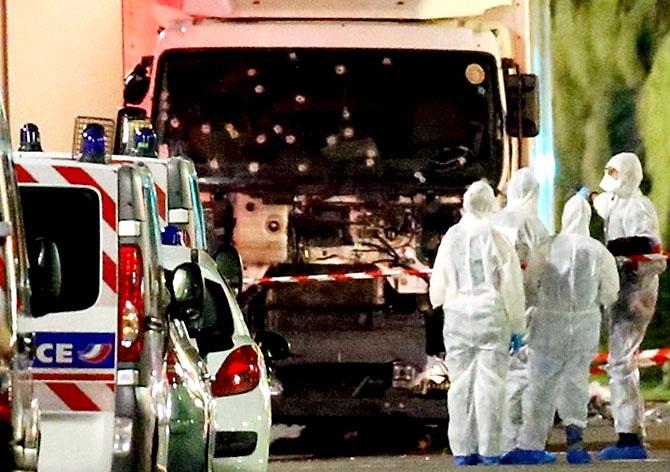 Fransa'daki terör saldırısından ilk kareler galerisi resim 23