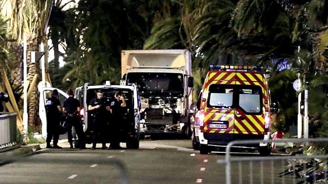 Fransa'daki terör saldırısından ilk kareler galerisi resim 32