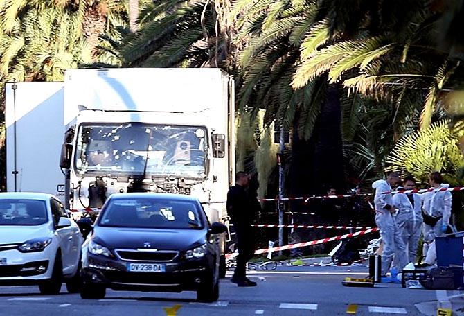 Fransa'daki terör saldırısından ilk kareler galerisi resim 37