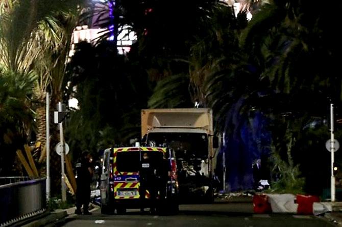 Fransa'daki terör saldırısından ilk kareler galerisi resim 8