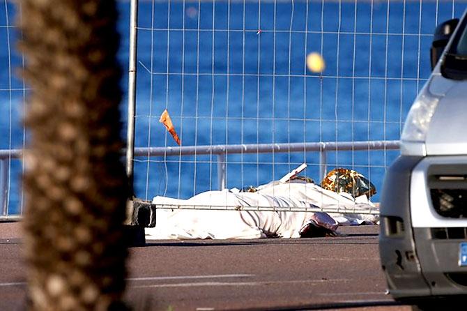 Fransa'daki terör saldırısından ilk kareler galerisi resim 9