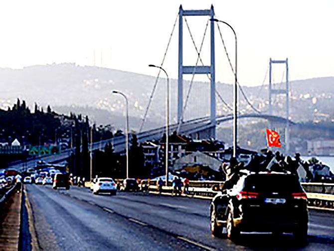 Türkiye'yi sarsan geceden fotoğraflar galerisi resim 14