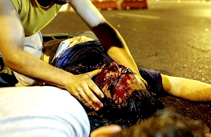 Türkiye'yi sarsan geceden fotoğraflar galerisi resim 23