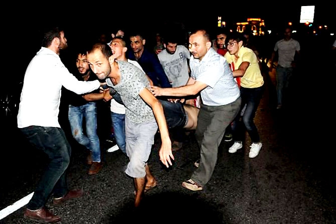 Türkiye'yi sarsan geceden fotoğraflar galerisi resim 33