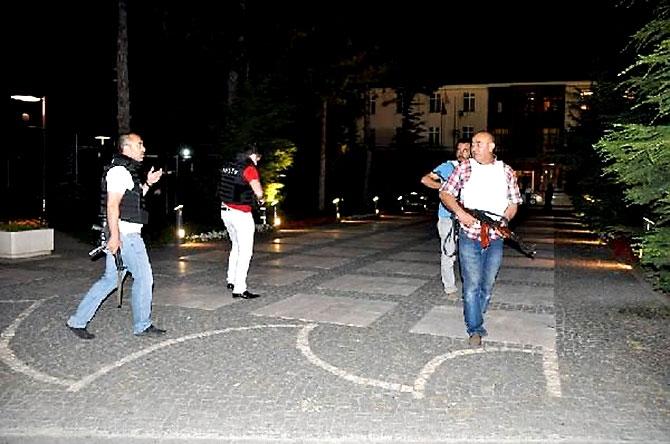 Türkiye'yi sarsan geceden fotoğraflar galerisi resim 37
