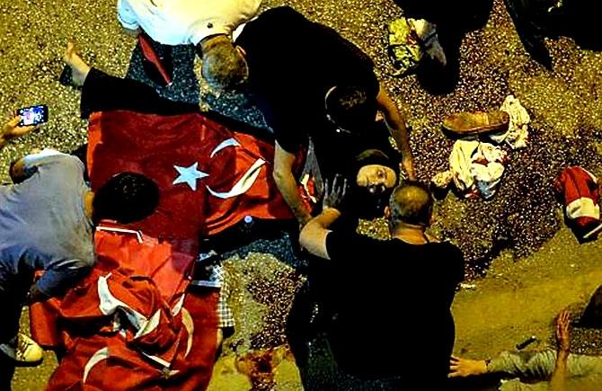 Türkiye'yi sarsan geceden fotoğraflar galerisi resim 40