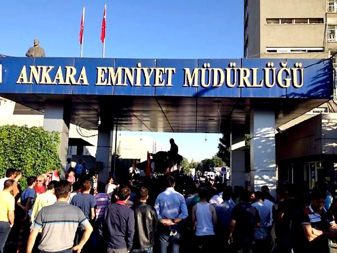 Türkiye'yi sarsan geceden fotoğraflar galerisi resim 42