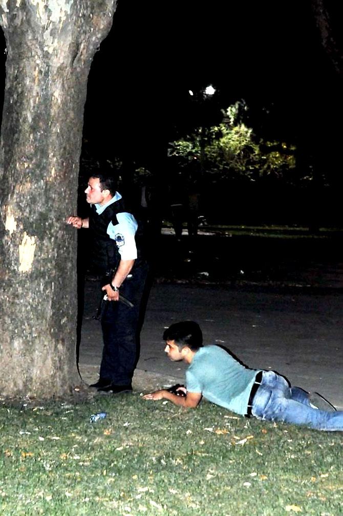 Türkiye'yi sarsan geceden fotoğraflar galerisi resim 50