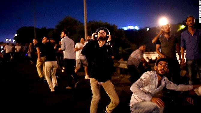 Türkiye'yi sarsan geceden fotoğraflar galerisi resim 60