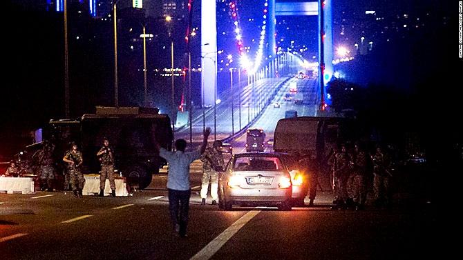 Türkiye'yi sarsan geceden fotoğraflar galerisi resim 64