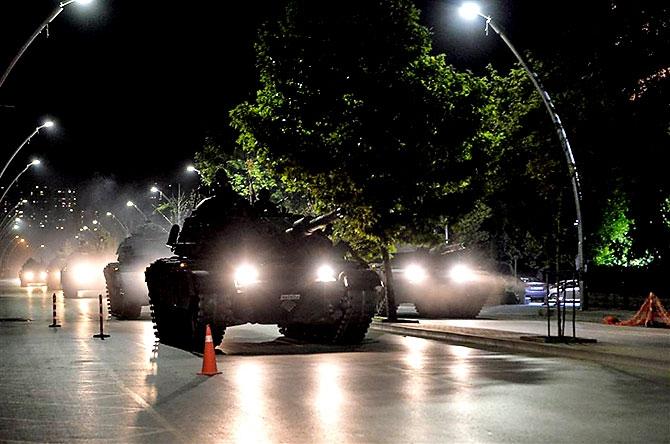 Türkiye'yi sarsan geceden fotoğraflar galerisi resim 75