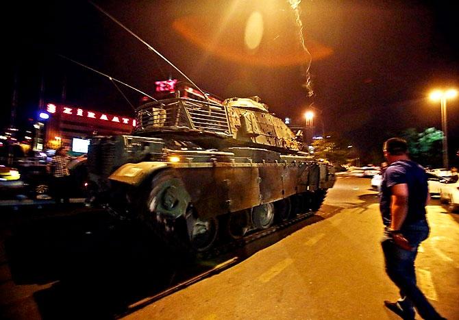 Türkiye'yi sarsan geceden fotoğraflar galerisi resim 79
