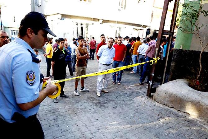 Antep'te bombalı saldırı: En az 50 kişi hayatını kaybetti galerisi resim 20