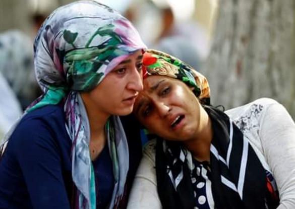 Antep'te bombalı saldırı: En az 50 kişi hayatını kaybetti galerisi resim 25