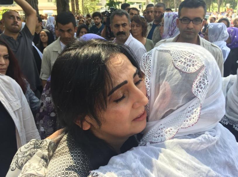 Antep'te bombalı saldırı: En az 50 kişi hayatını kaybetti galerisi resim 26