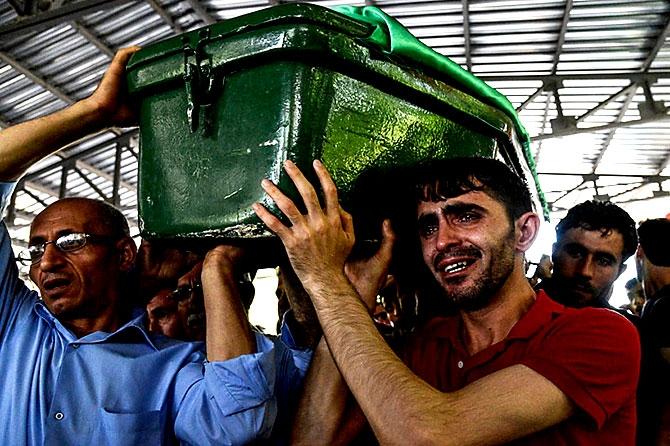 Antep'te bombalı saldırı: En az 50 kişi hayatını kaybetti galerisi resim 49