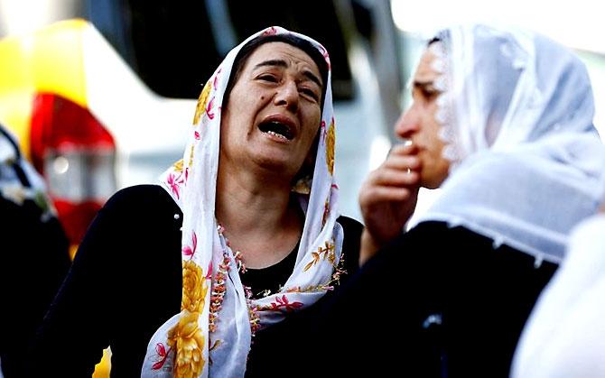 Antep'te bombalı saldırı: En az 50 kişi hayatını kaybetti galerisi resim 6