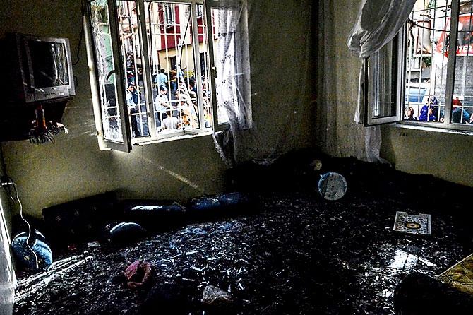 Antep'te bombalı saldırı: En az 50 kişi hayatını kaybetti galerisi resim 81