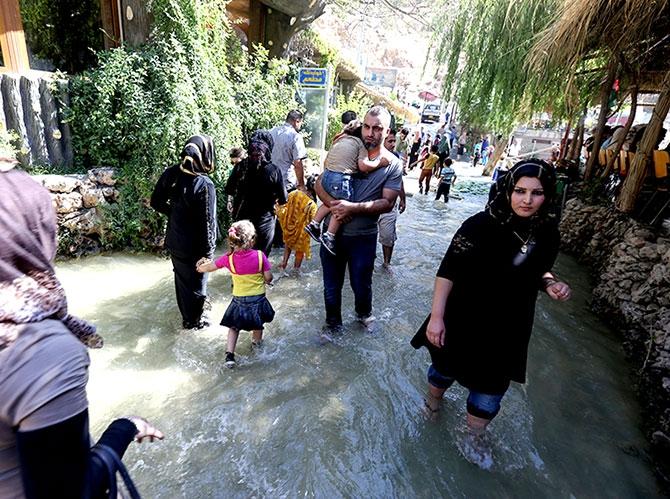 Bayramda binlerce turist Federal Kürdistan'a akın etti galerisi resim 11