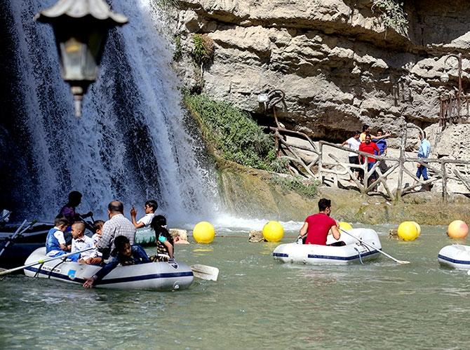 Bayramda binlerce turist Federal Kürdistan'a akın etti galerisi resim 12