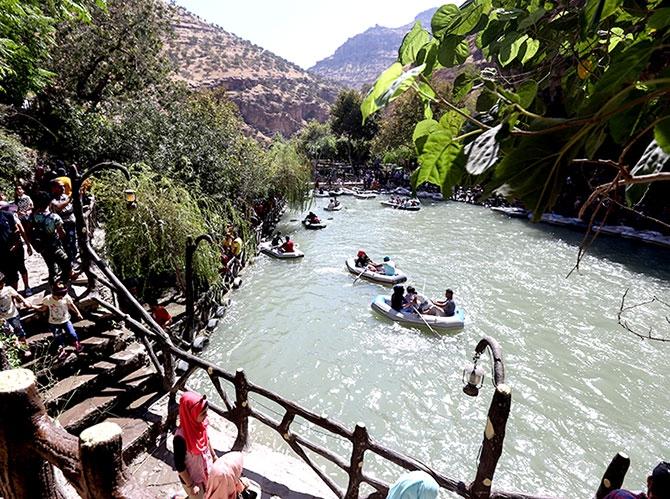Bayramda binlerce turist Federal Kürdistan'a akın etti galerisi resim 16