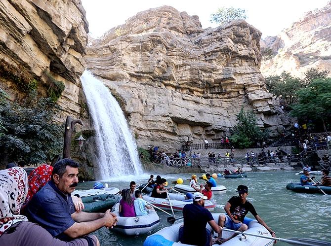 Bayramda binlerce turist Federal Kürdistan'a akın etti galerisi resim 22