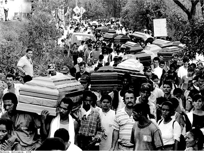 Fotoğraflarla: Kolombiya'da 52 yıl süren savaş galerisi resim 2