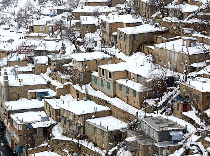 Hawraman Taht köyünde kar manzarası galerisi resim 20
