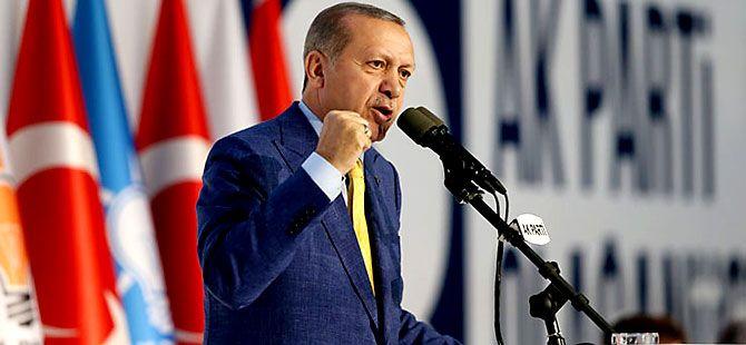Reuters kareleriyle Erdoğan'ın 'partiye dönüş' kongresi