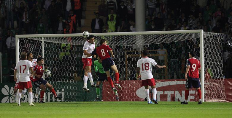 Türkiye : 2 Ermenistan : 0 galerisi resim 12