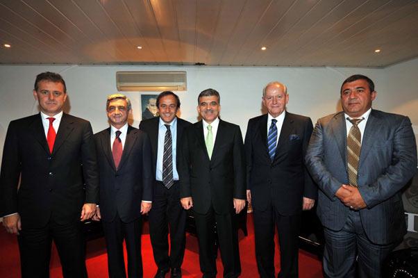 Türkiye : 2 Ermenistan : 0 galerisi resim 9
