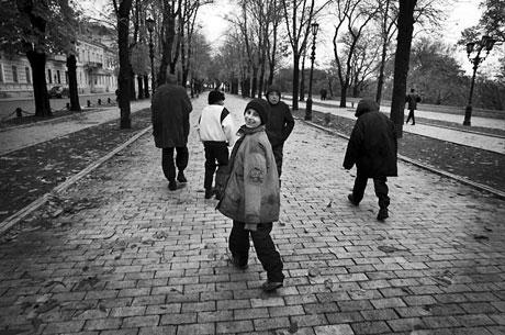 Yeraltında yaşayan sokak çocukları galerisi resim 13