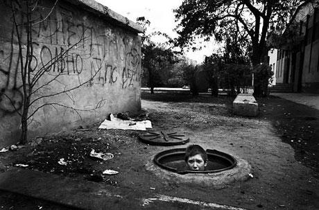 Yeraltında yaşayan sokak çocukları galerisi resim 2