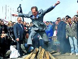 Bakan'dan Şivan Perwer'e Newroz daveti