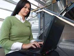 Türk kadını internette gerilerde kaldı