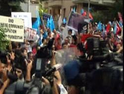 Ankara'daki Çin protestosuna polis engeli